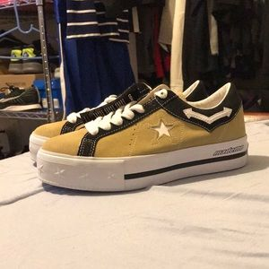 Women's Converse x Mademe suede size 6.5